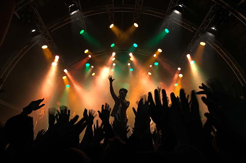 Tanzen auf großer Party mit Coverband in Hannover